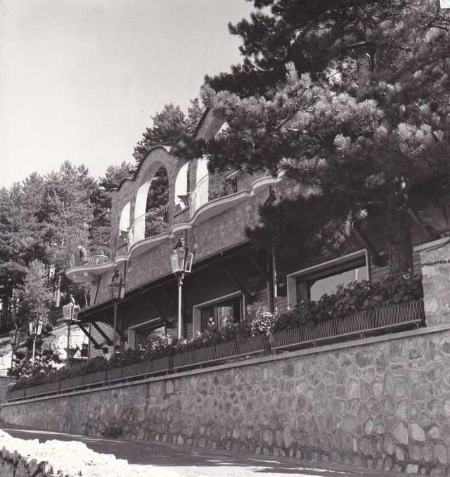 Il cinema Ciclamino a via della Funivia a Monte Faito